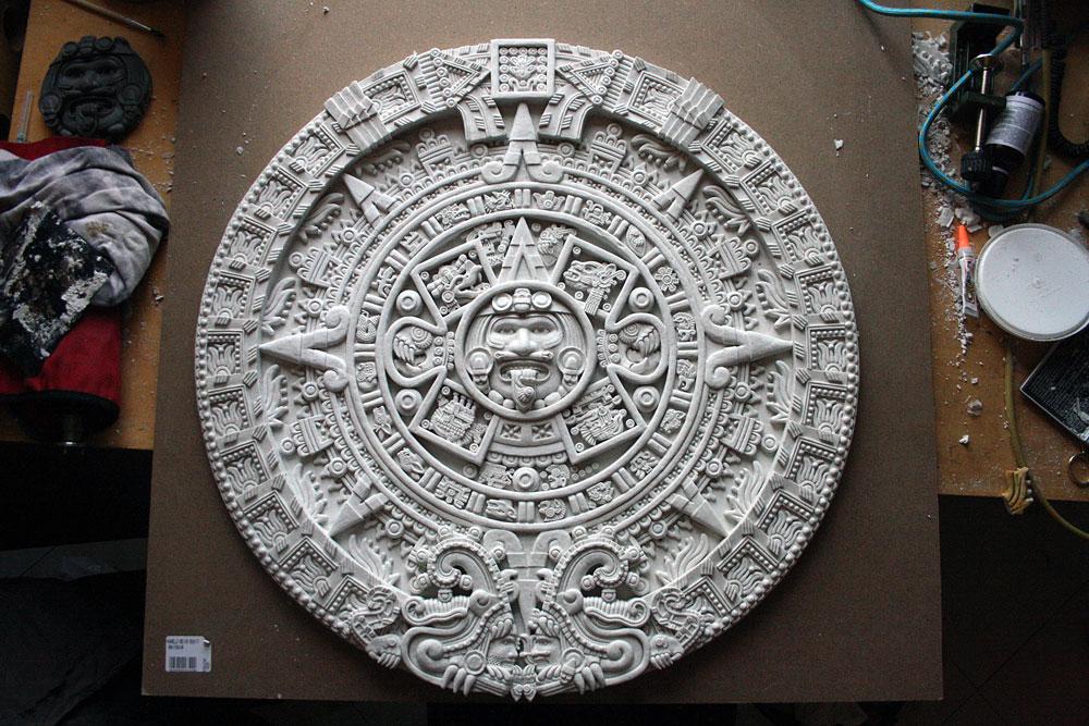 Riproduzione pietra del sole azteca
